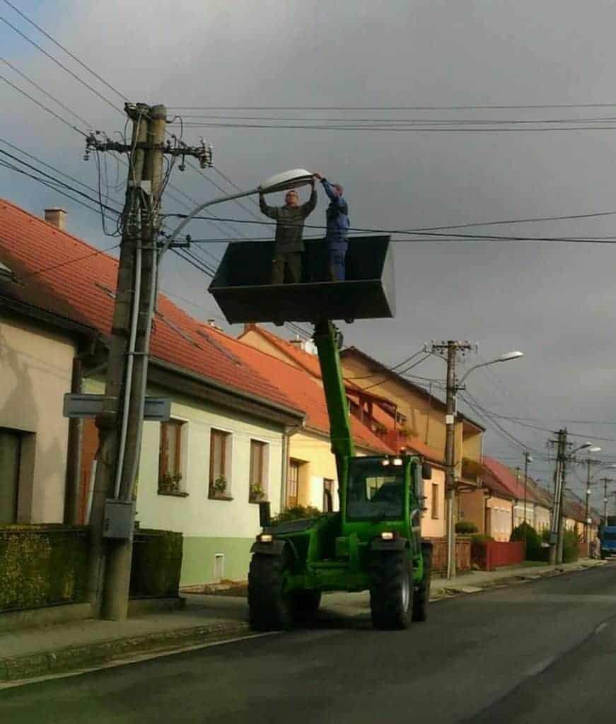 Oprava lampy z bagru